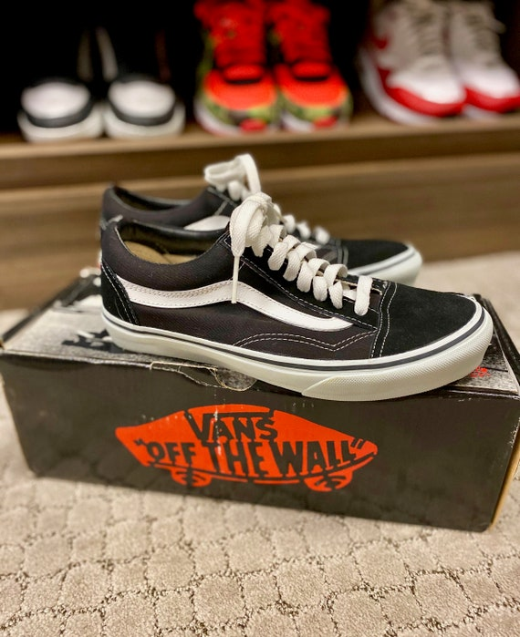 Vintage Deadstock VANS SK8 HI Skate Shoes DOGTOWN