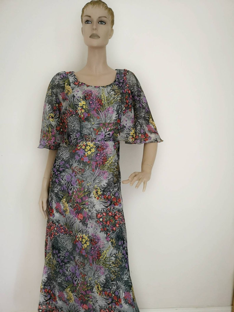 b1d7b58e20 Vintage 1970s angel sleeve maxi dress floral print chiffon