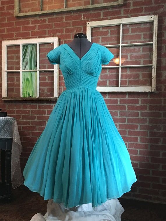 Vintage 1950's Pleated Turquoise Blue Chiffon Part