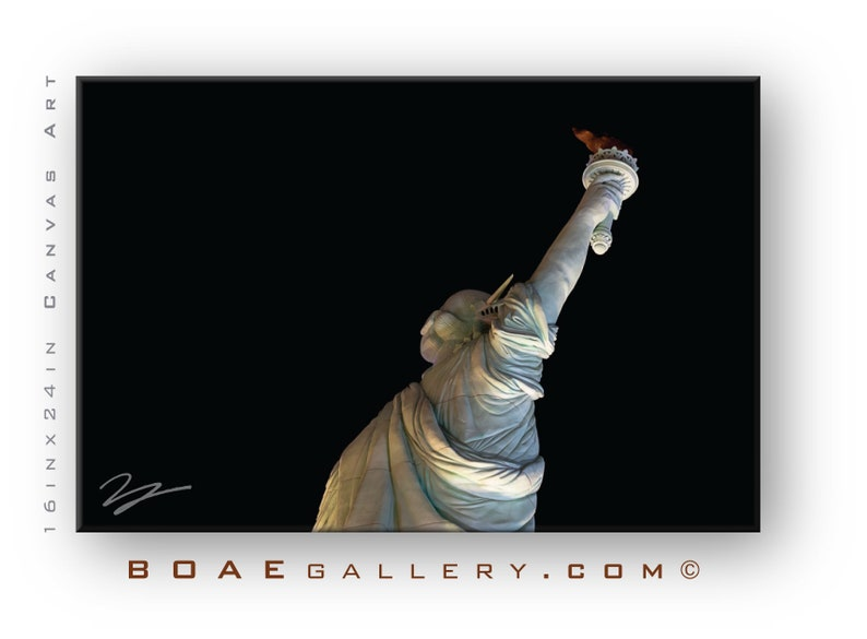 Statue of Liberty in Vegas Framed & Canvas Wall Art  Statue image 0