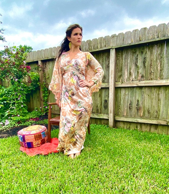 Vintage 1970s Floral Woodstock Hippie Maxi dress