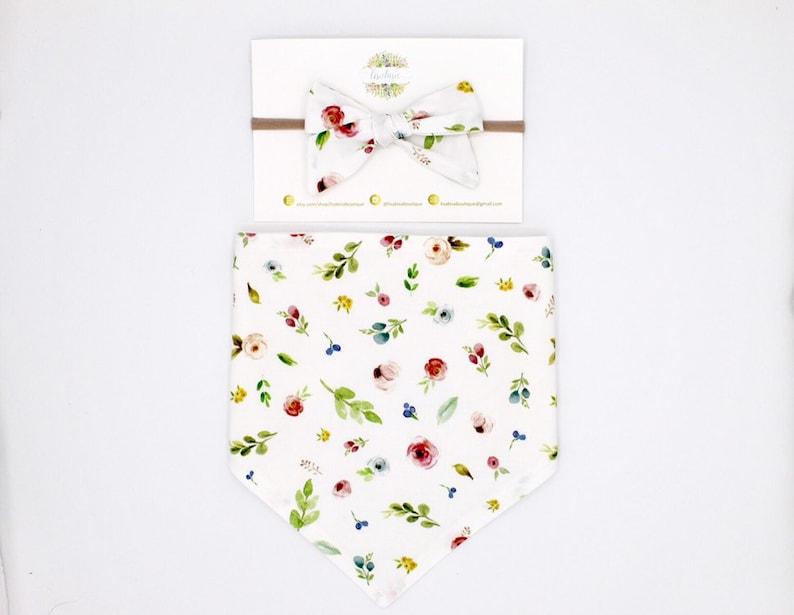 Baby shower gift Floral baby bib Baby bows Baby bib Baby gift set Baby headband Hair clip Baby bandana bib