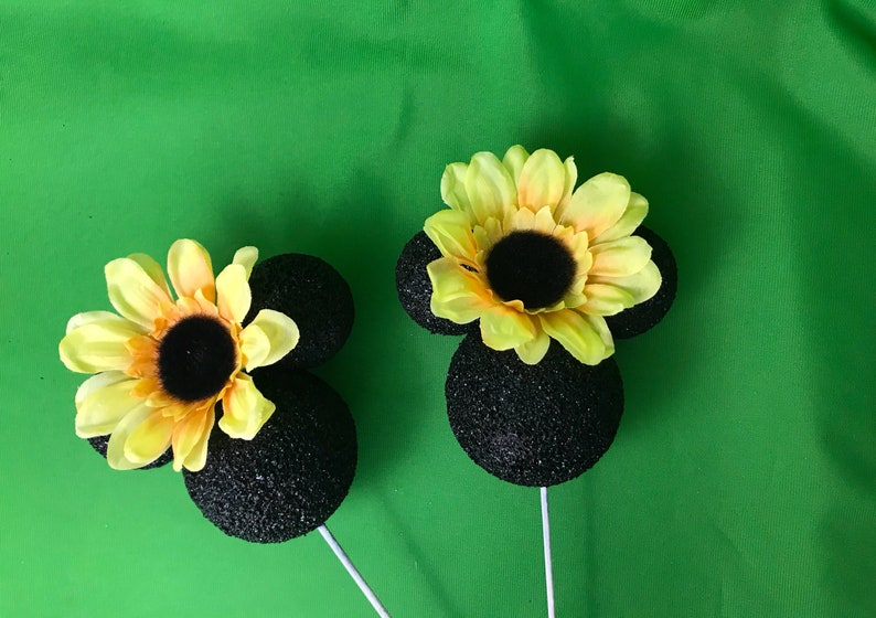 2 Toppers Minnie sunflowers head Cabezas minnie mouse pack-2 pieces table centerpiece  Minnie Mouse face black yellow sunflower styrofoam he