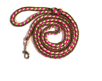 6ft 6in Paracord Leash in Berrylicious Glow