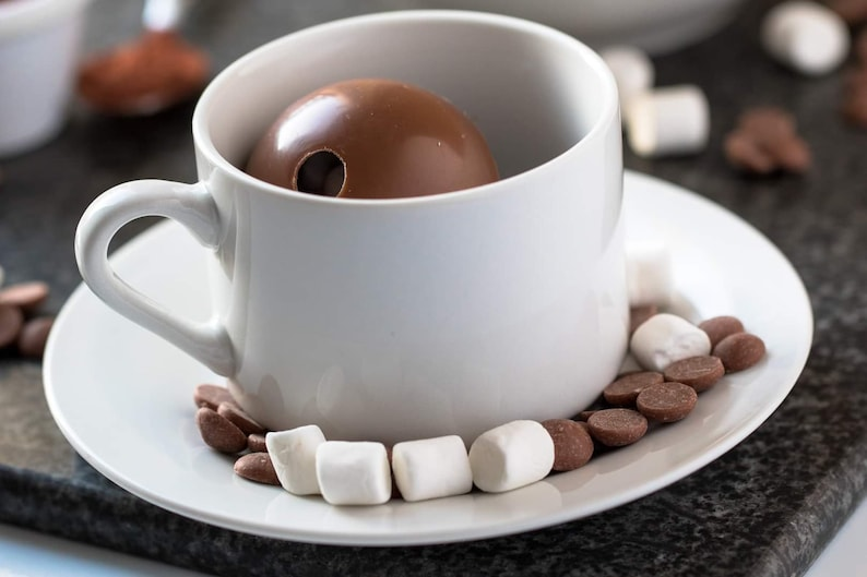 16 Hot Chocolate Bombs with Mini Marshmallows image 0