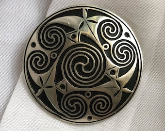 Vintage St. Justin Cornish Pewter Celtic Knot Brooch