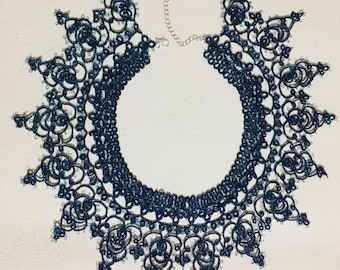 Large tatted lace necklace