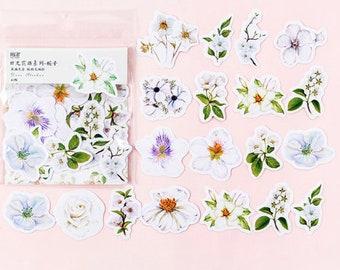 Bloemen stickers, witte bloemetjes stickers, kawaii stickertjes, journal notebook scrapbooking stickers. 45 stuks