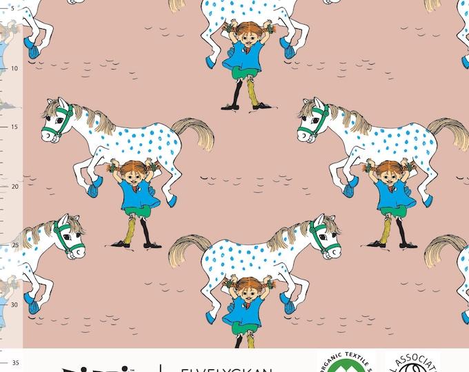 Biologische tricot stof met Pippi Langkous en Kleine Witje. Dusty Pink (009) Elvelyckan Pippi Långstrump