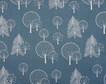 Blauwe french terry stof met bomen