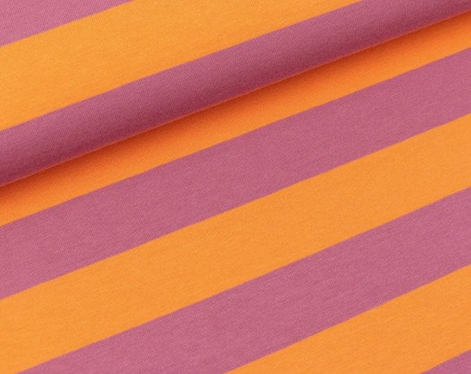 Tricot stof met oranje en paarse strepen