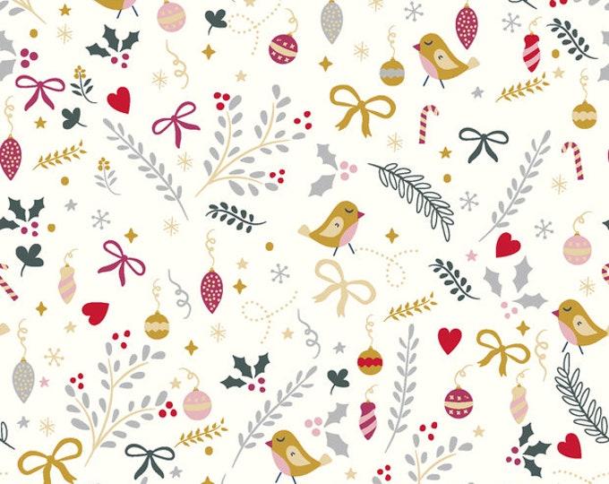Off-white katoen met kerstballen, vogels en takjes. Geweven stof met goudprint