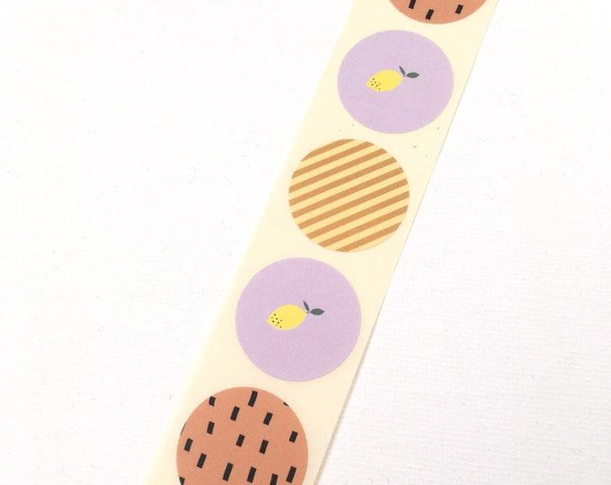 Ronde  stickers met citroenen en streepjes. Envelop stickers. Ronde stickers, ronde stickertjes. Per 30 stuks.