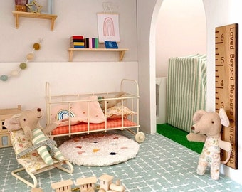 12th Scale Miniature Height Chart, 1/12th scale for dolls house, 1:12 scale decor, dolls house miniatures, doll house furniture