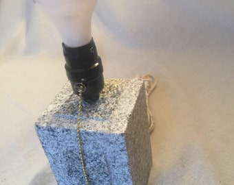Bound Post Granite Lamp - Sawn Top + Sides - Pull Chain
