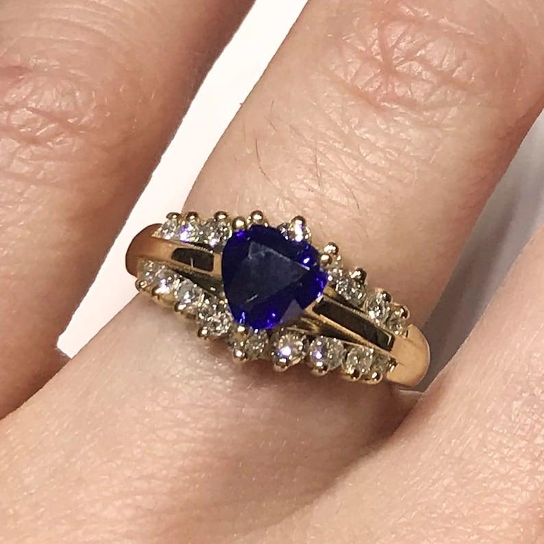 1.59 ct tw Natural Heart Blue Sapphire & Brilliant Diamond image 0