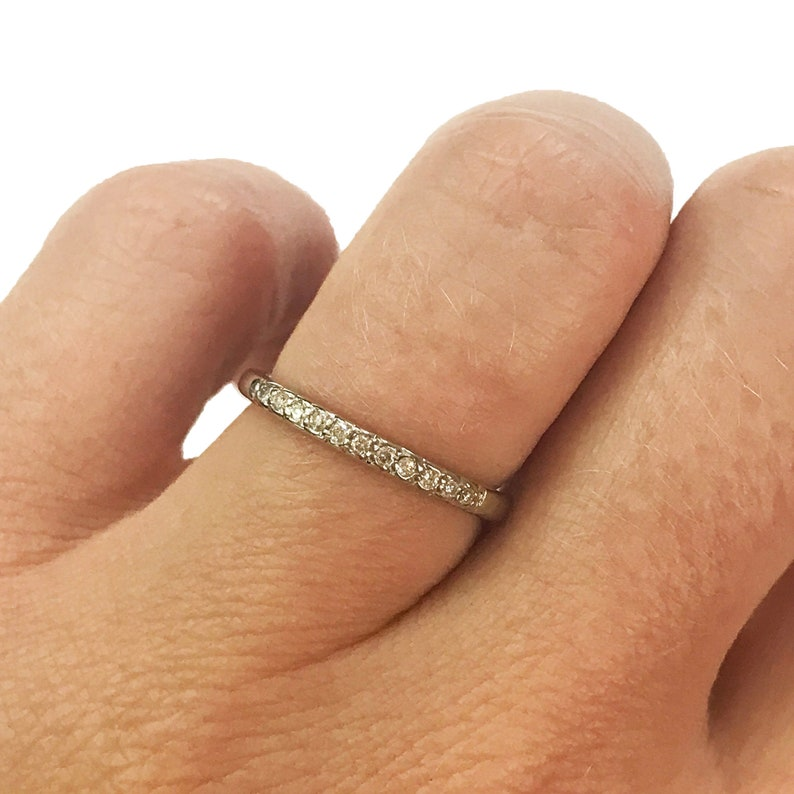 Natural Diamond Solid 14k Gold Wedding Band Ring / 0.1 ctw image 0