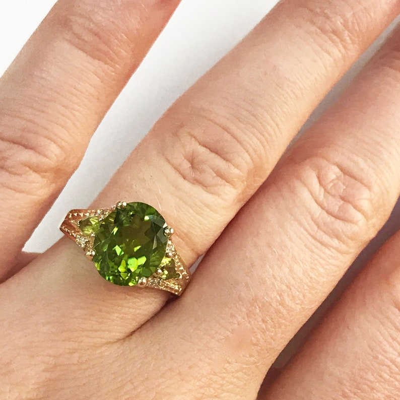 3.6 ct tw Natural Green Peridot & Diamond Solid Gold Cocktail image 0