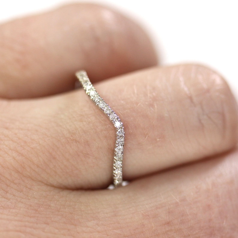 Curved Natural Diamond Wedding Band Ring / 0.12 ctw Real image 0
