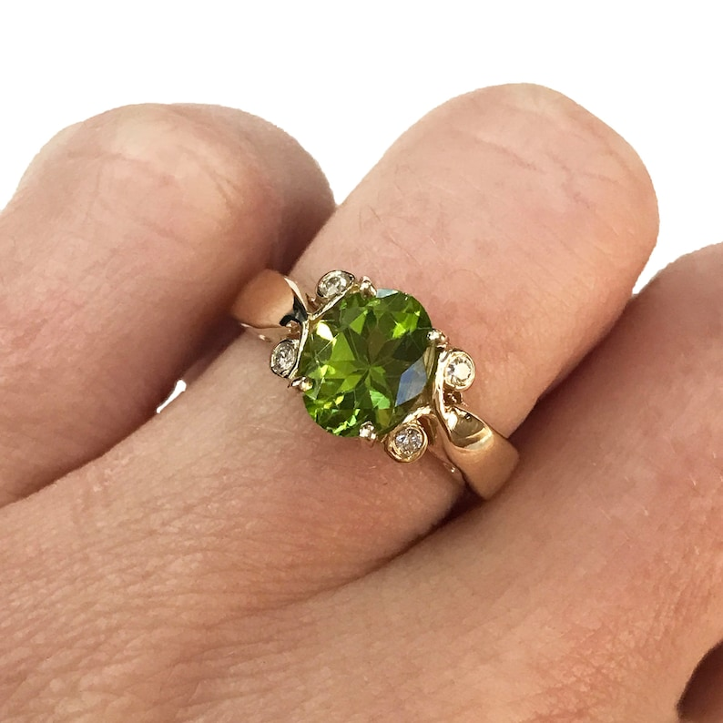 1.9 ct tw Natural Green Peridot & Diamond Engagement Ring / image 0