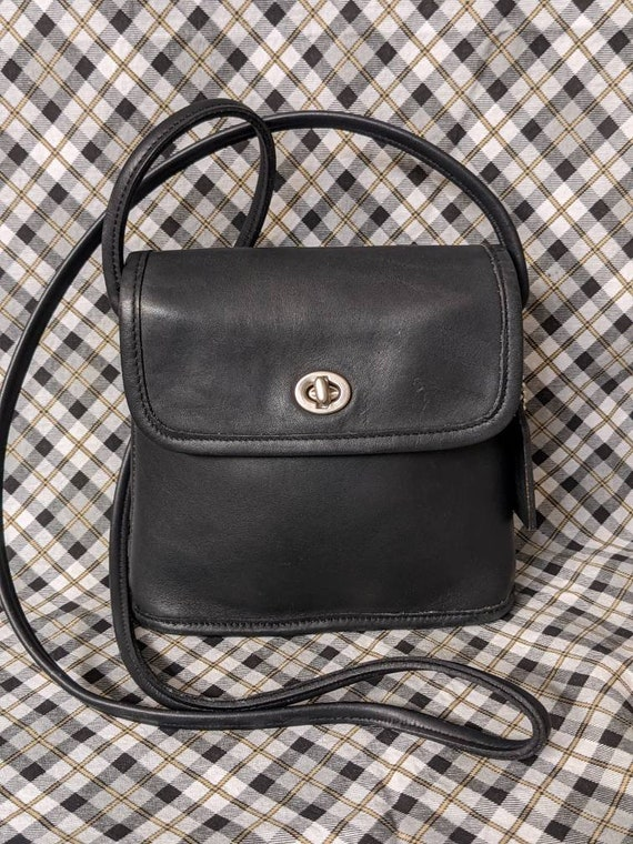 Vintage Coach Tango Crossbody in Navy Blue Leather