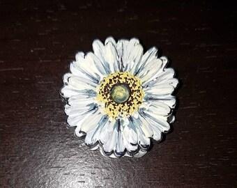 Molded Acrylic Hand Painted Daisy Pin