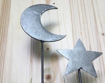 Small Moon Garden stake