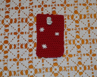 crocheted christmas phone sleeve