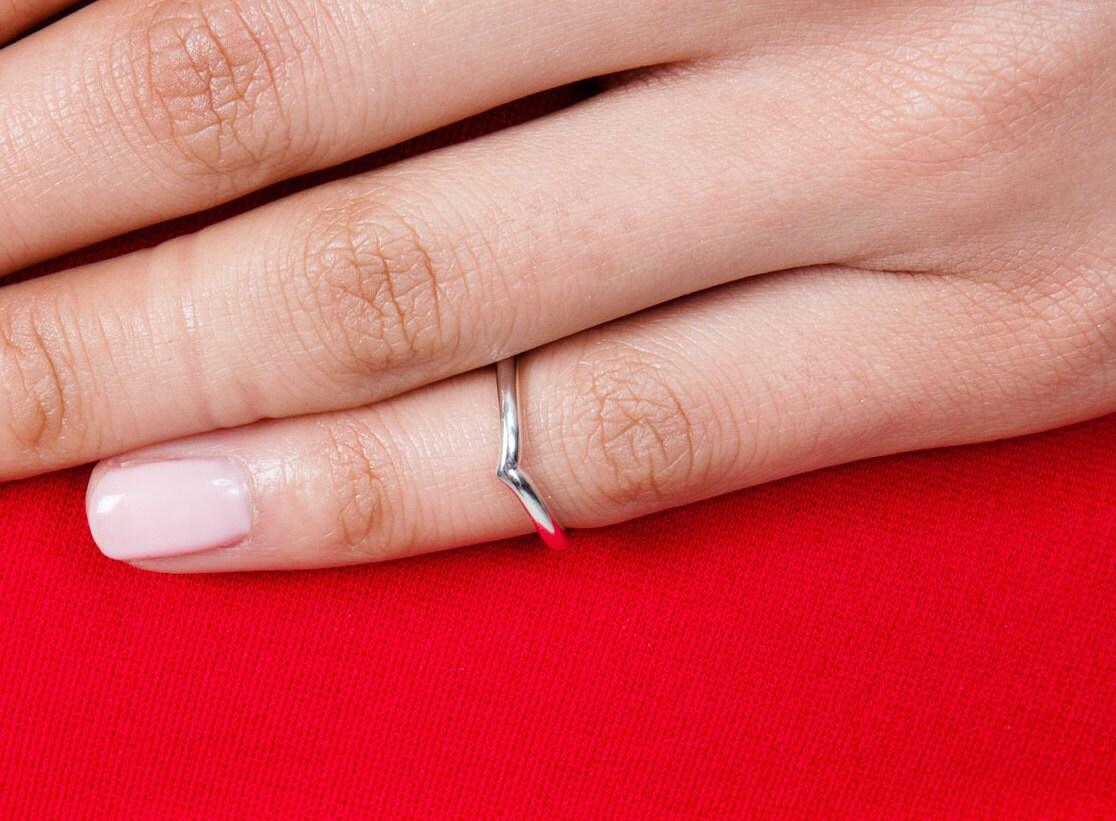 Wishbone Midi ring | Etsy
