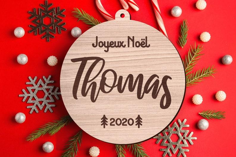 Boule en bois de Noël personnalisable - Créatrice ETSY : RonWoodiy