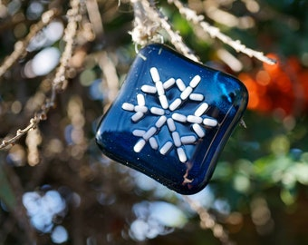 Sashiko snowflake Christmas tree hangings made from deep blue glass with white stitching effect. 3 different designs available.