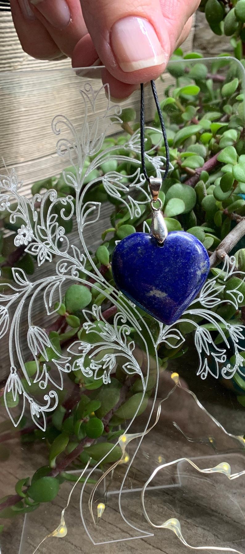 Beautiful NCK-0970 Natural Lapis Lazuli Heart Necklace Polished