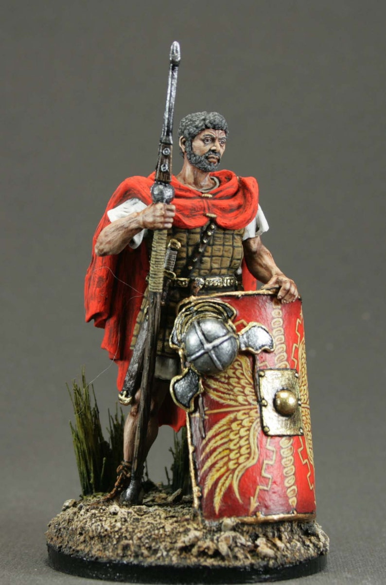 lead soldier,Rome.Veteran is a legionary,unpainted,hand made,collectable,rare