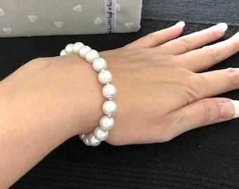 Pearl and silver metal beaded bracelet