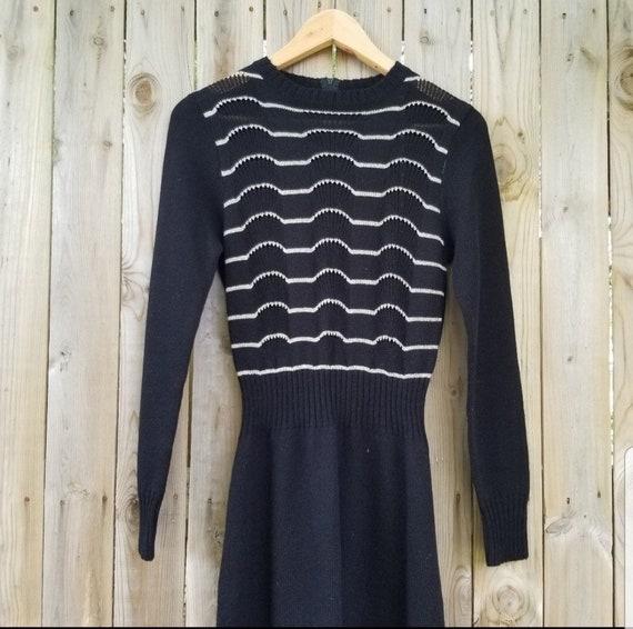 Vintage Metallic Striped Ribbed Sweater Max