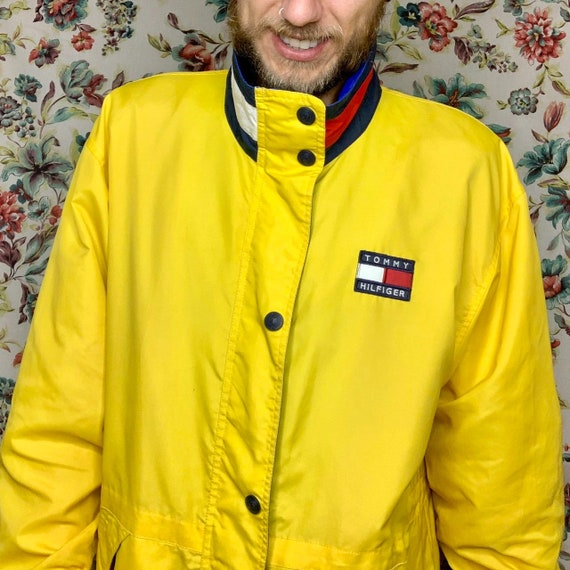 90s tommy yellow flag