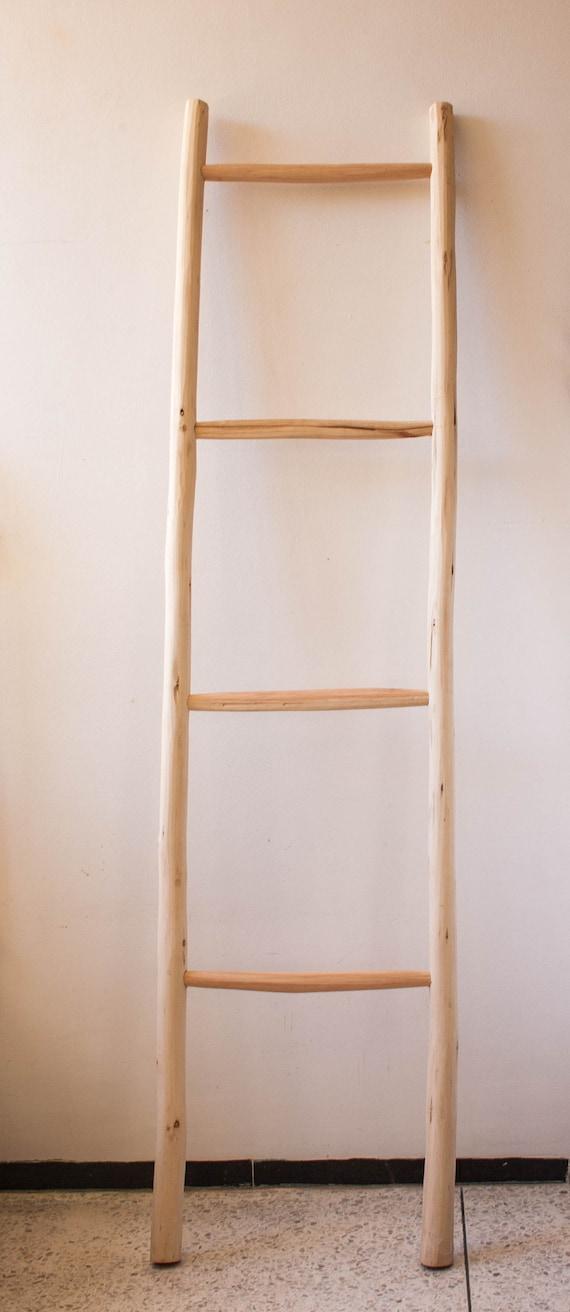 Decorative 4.9 Foot Natural Beige Bamboo Wall-Leaning Towel Ladder//Rack