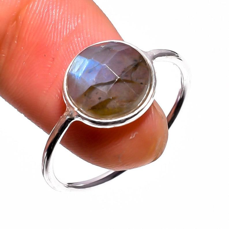 Natural Labradorite Gemstone Bezel Style 925 Sterling Silver Ring 9US