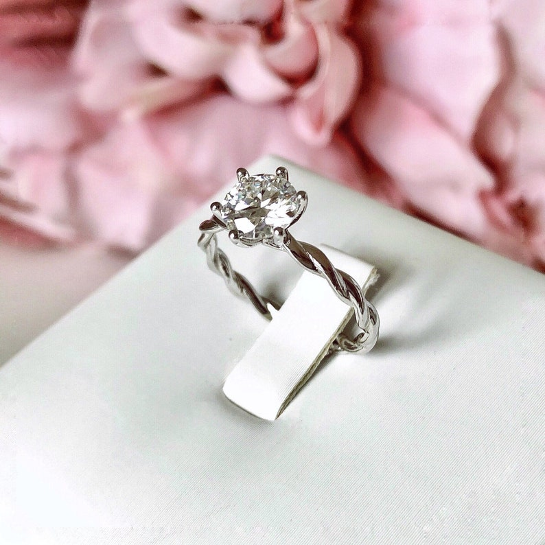 Engagement Ring LUNA 1ct Diamond Engagement Ring High Quality Certified Moissanite Diamond ring Gold Engagement Ring Heart Promise Ring