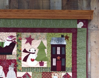 Quilt Hanger with Shelf - 24 to 36""