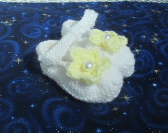 White and Yellow Knitted Baby Booties, Newborn Baby Mary Jane Style Shoes, Crochet Flower, Pearl Button, Handmade