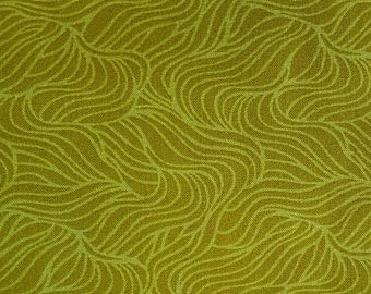 P&B Textiles - Bear Essentials - wave-like pattern in shades yellow-green