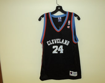 b46ac157eed4 Vintage Champion Cleveland Cavs Mike Miller Basketball Jersey SIze (XL  18-20) YOUTH