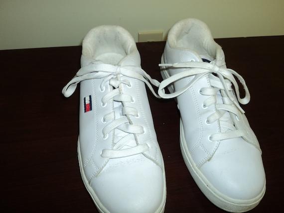 Vintage Tommy Hilfiger Shoes Size (9.5) US