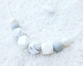 Teething Necklace for mom, nursing necklace, silicone chew beads necklace, breastfeeding necklace, sensory teething baby shower gift
