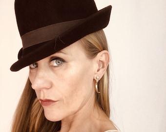 Vintage Brown Womens Bowler Cloche Felt Hat 40s 50s 60s ee7240ee497e
