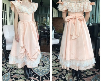 e7af2be0322 Vintage 80s Jessica McClintock Gunne Sax Prom Party Dress Peach Lace Bow  Gown