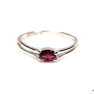 925 Sterling Silver Ring Rhodolite Garnet Ring Promise Ring Solitaire January Birthstone Anniversary Ring Raspberry Red Gem R293