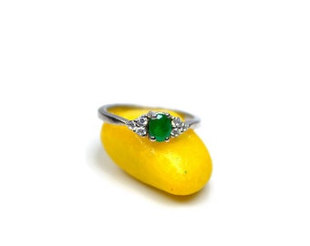 Genuine Emerald Ring, Authentic Ring, Green Ring, oval Ring, Unique, Silver Emerald, Green Gemstone, Love Ring, Pretty Ring, R108