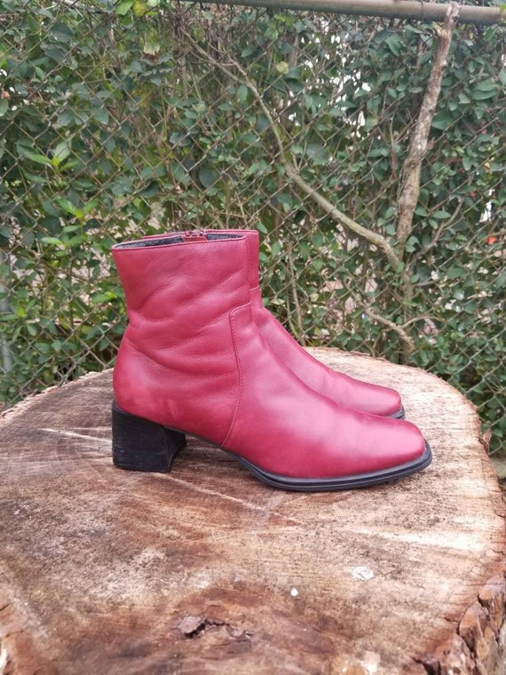 Sz. 7 Vintage Ankle Boots/ Red Genuine Leather/Zi… - image 4